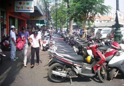"""TPHCM: Nhà đầu tư """"chê"""" vị trí xây bãi đậu xe"""
