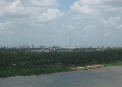 """""""Sốt"""" nhà đất bên cầu dây văng lớn nhất Đông Nam Á"""