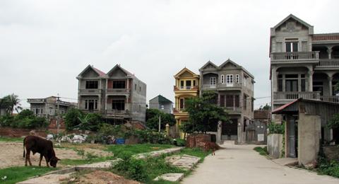 Thót tim mua đất xây nhà