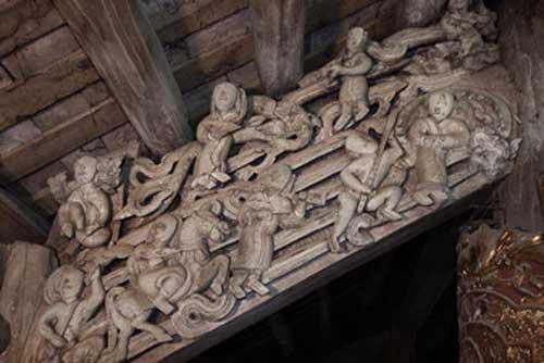 Đình Đại Phùng: Ấn tượng những mảng chạm khắc dân gian