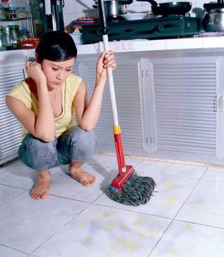 Giữ sàn nhà sạch bóng