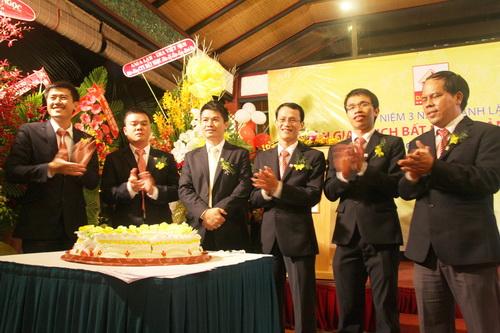 Đất Ngọc: Ấn tượng với buổi lễ kỷ niệm 3 năm thành lập