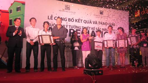 """Ấn tượng lễ trao giải cuộc thi """"Ý tưởng thiết kế sắc màu 2011"""""""