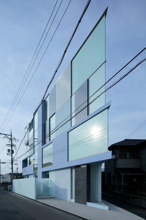 """Căn nhà """"siêu mỏng"""" ở Nhật"""