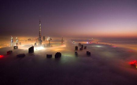 Dubai huyền ảo trong sương mù