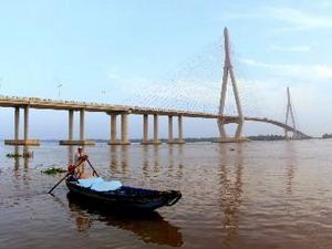 Xây cầu vượt phía nam đường dẫn cầu Cần Thơ