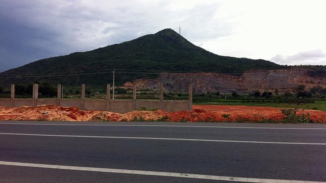 Người TQ mua cả trăm hecta đất Bình Thuận