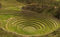 Kỳ bí ruộng bậc thang tròn Inca cổ đại