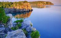 """""""Khe nứt Trái đất"""" biến thành hồ nước tuyệt đẹp"""