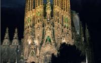 """Nhà thờ Sagrada Familia – """"Cung thánh vĩ đại của Kitô giáo"""""""