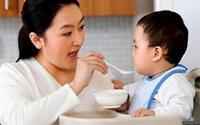 90% mẹ Việt cho con ăn theo quảng cáo