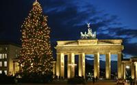 10 cây thông Noel lung linh nhất hành tinh