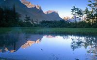 Soi gương những ngọn núi đẹp