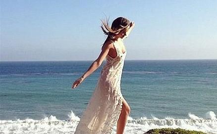 Bên trong biệt thự bãi biển thơ mộng của Miranda Kerr