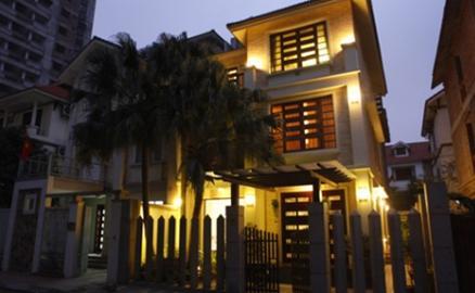 Ngôi biệt thự từng 4 lần đập bỏ của ca sĩ Hồ Quỳnh Hương