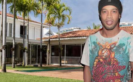 Ronaldinho rao bán rẻ dinh thự