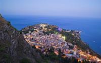 Thơ mộng thị trấn Taormina trên đảo Sicily