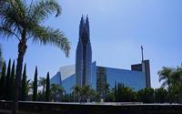 Chiêm ngưỡng nhà thờ kính cao nhất thế giới