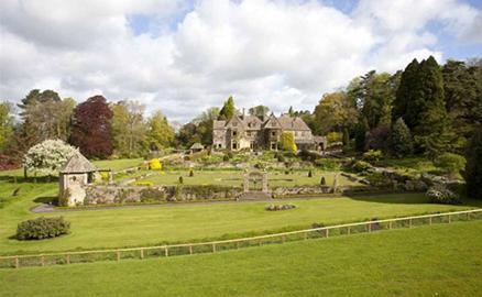 Ghé thăm biệt thự vùng quê đẹp mê mẩn của nhà David Beckham