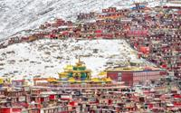 'Thánh địa Phật giáo' Tây Tạng đẹp choáng ngợp trước khi phá dỡ