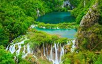 Những hồ nước có màu đẹp nhất trên thế giới