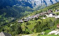 Cận cảnh vẻ đẹp ngôi làng Thụy Sĩ thưởng tiền cho người tới sống