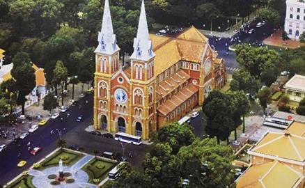 Nhà thờ Đức Bà: Kiệt tác kiến trúc 138 năm tuổi giữa Sài Gòn