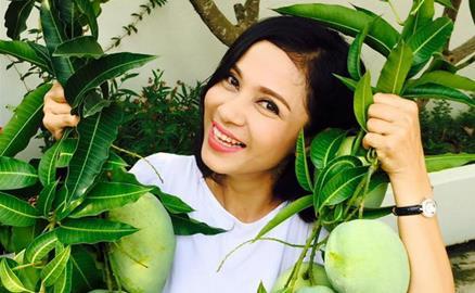 """""""Người đẹp Tây Đô"""" Việt Trinh và ngôi nhà an yên bên khu vườn ngập tràn rau trái"""