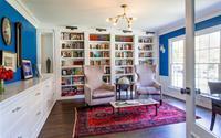 Học lỏm cách thiết kế không gian sống gia đình hoàn hảo chỉ với giá sách