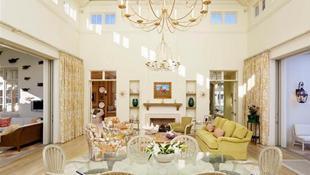 15 phòng khách đẹp với đèn chùm thắp nến