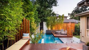 Những mẫu bể bơi sân vườn đẹp khiến bạn không thể rời mắt
