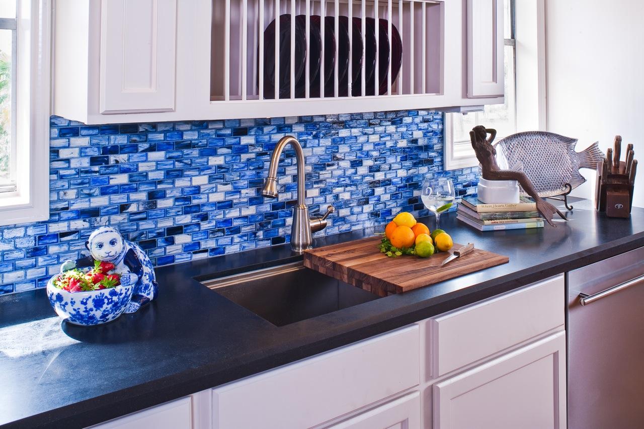 Những mẫu nhà bếp với sắc màu trang trí khiến bạn mê mẩn đến từng chi tiết