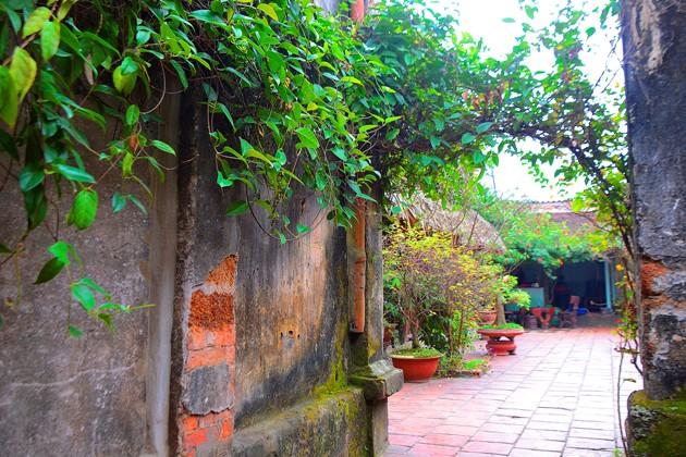 """Chiêm ngưỡng nhà cổ 200 tuổi """"đẹp mê hồn"""" ở Hà Nội"""