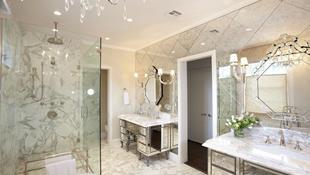 Điểm danh những căn phòng tắm thiết kế bồn rửa tay đôi khiến bạn khó có thể chối từ