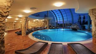 Những thiết kế bể bơi trong nhà đẹp quên lối về
