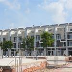 Bán căn nhà phố 5.4x20 xây 3,5 tấm cực kỳ đẳng cấp, Hướng Nam mặt sông SG, KDC đông đúc