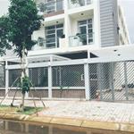 Cần bán gấp nhà phố Quận 7, Hướng Nam mặt sông Sài gòn, DT: 5,4x20m2, xây 3,5 tấm MTG