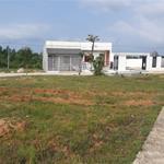 Cần bán gấ lô đất 108m2 nằm ở gần khu tái định cư khu phố 10 cmt8 dân đông giá 2ty2