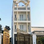 Bán nhà mặt tiền có sân vườn đẹp nhất Hóc Môn, Diện tích 5x40m