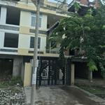 Bán nhà 1 trệt, 3 lầu, giá 2tỷ4, đường 14m, SHR, gần chợ.