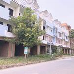 Bán gấp  căn shophouse khu dân cư , 125m2, 1 trệt đúc 3 lầu, 1.7 tỷ, LH: 0902.677.301
