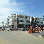 Bán nhà phố mới xây, nhận nhà ngay, sổ đỏ riêng, tặng nội thất, khu an ninh khép kín.
