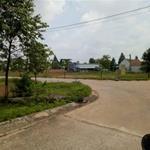 Bán lô đất ở Khu Đô Thị QL13 cần bán giá rẻ cho ai cần mua. Dân cư đông đúc, thổ cư