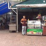 Mặt bằng kinh doanh bán bánh có sẵn tủ trong khuông viên CLB Lh Ms Thanh 0908399730