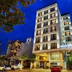 Bán khách sạn cao cấp mặt tiền đường Trần Quốc Hoàn, P4 Tân Bình, 9x20m, 6 lầu