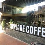 Sang gấp quán cafe kèm 2 sân bóng mini gần sân bay TSN: Số 1 Bạch Đằng, Phường 2, Tân Bình: