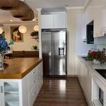cần bán căn hộ cao cấp 4 phóng ngù Vinhomes central park  Bình Thạnh LH : MS THOA