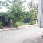Bán gấp căn nhà ngay UBND huyện Cần Đước, mặt tiền Quốc Lộ 50, sổ hồng riêng, 1 lầu đúc.