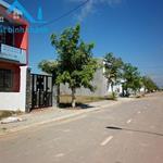Tôi Cần Bán 230m2 MT đường tỉnh lộ 10 gần kcn Lê Minh Xuân 730TR, 0909956608.