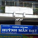 Cho thuê nhà nguyên căn 1 lửng 1 lầu ngay mặt tiền Huỳnh Mẫn Đạt P2 Q5 LH Ms Tuyền